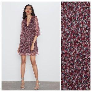 NWT. Zara Floral Print V-neck Dress. Size M.